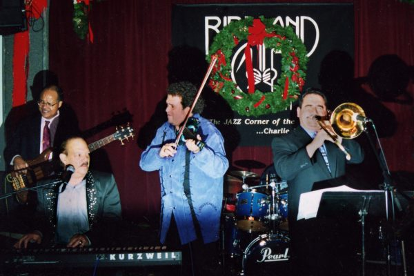 Latin Cool Records Label launching concert at Birdland in New York City, December 2, 2002, left to right: Guillermo Edghill, Larry Harlow (El Judio Maravilloso), Alfredo de la Fé, Demetrios Kastaris (photo credit Louis Laffitte)