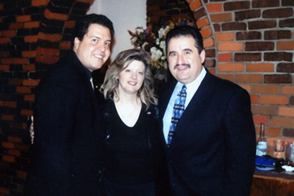 left to right: Nelson Rodriguez, Vicki Solá, Demetrios Kastaris at La Maganette (WFDU FM Fundraiser) in New York City, November 2002 (photo credit Hilda Kastaris)